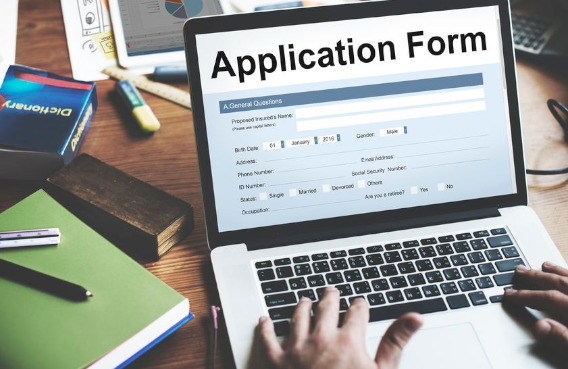 Pomoc przy wypełnianiu aplikacji na bezpłatny kurs angielskiego w West Midl